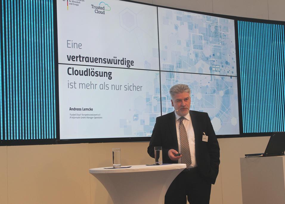 Andreas Lemcke (PI Informatik) bei der Vorstellung des Labels Trusted Cloud auf der diesjährigen CeBit.